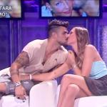 Cri e Tara bacio